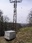 novučká trafostanica pre lanovku /foto: Peťo z Lamača 07.04.2005/