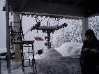 vrcholová stanica zasypaná snehom /foto: Andrej 25.02.2005/